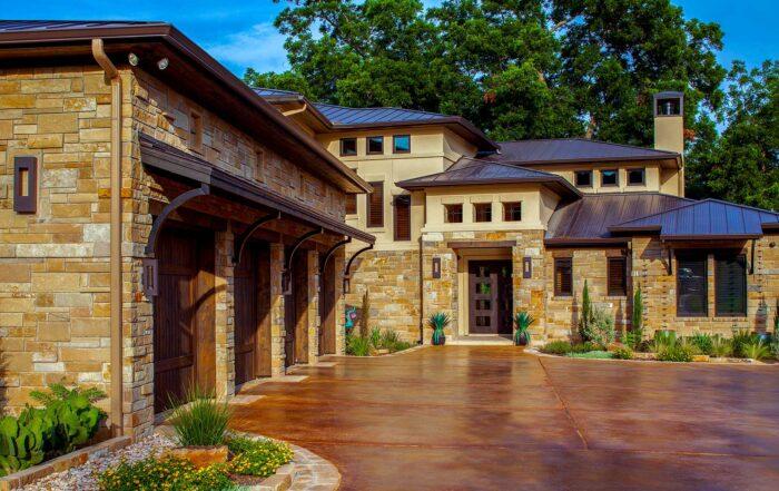 Texas Modern 5698 - Elevation with Three Garages
